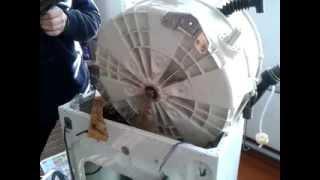 ремонт стиральной машины Candy 3 установка барабана(впихнул вроде барабан на место. еще говорю о первоочередных задачах., 2013-10-03T14:12:58.000Z)