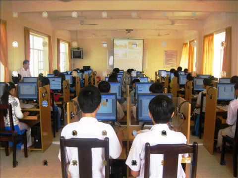 Lớp học trực tuyến tại phòng Lab trường THPT Duy Tân - Phú Yên