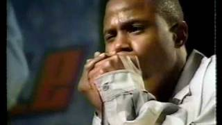 Doug E Fresh beatboxing