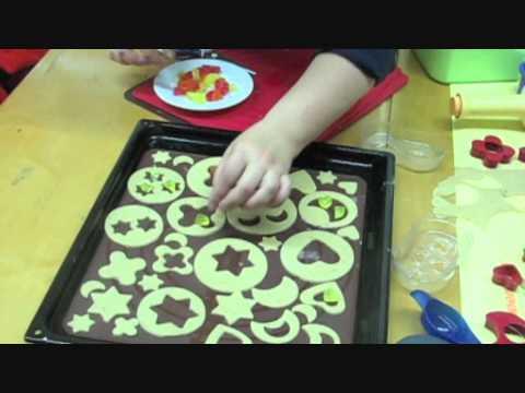 Gaminame su Tupperware: Kalėdiniai sausainiai su vitražais