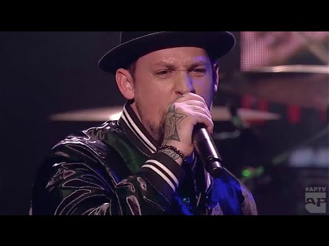 APMAs 2016 Performance: GOOD CHARLOTTE with KELLIN QUINN, ANTHONY RANERI and AWSTEN KNIGHT
