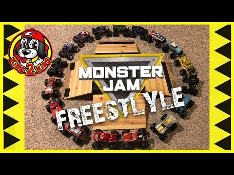 Hot Wheels Monster Jam Toy Trucks Playing and Racing - FREESTYLE SHOW (Big 1:24 trucks)