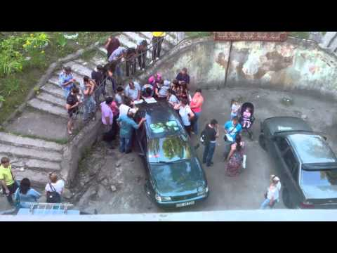 Толпа во дворе Тула, УФМС