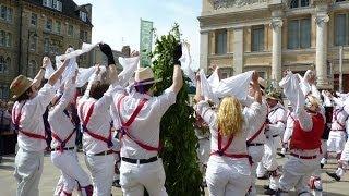 112. Гуляния 1 Мая в Оксфорде, Великобритания. May Day Celebration in Oxford!(Праздничные гуляния 1 Мая в Оксфорде, Великобритания. May Day Celebration in Oxford! OxfordInside. Видео Каналу на об Оксфорде,..., 2014-05-06T15:59:17.000Z)