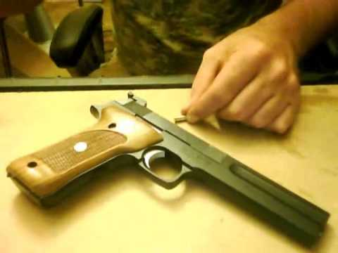 field stripping smith and wesson model 422 622 22 long rifle pistol