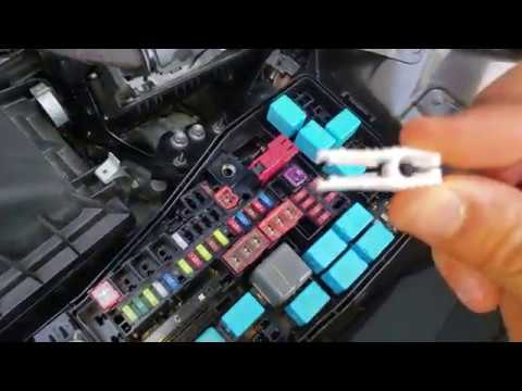 How to replace cigarette lighter fuse for 2018 Toyota Camry