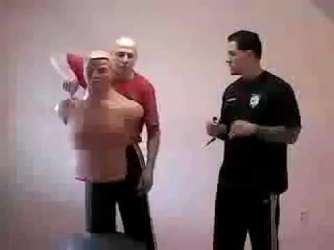 Малявка РАЗРЫВАЕТ!!! манекен для бокса!!! - YouTube