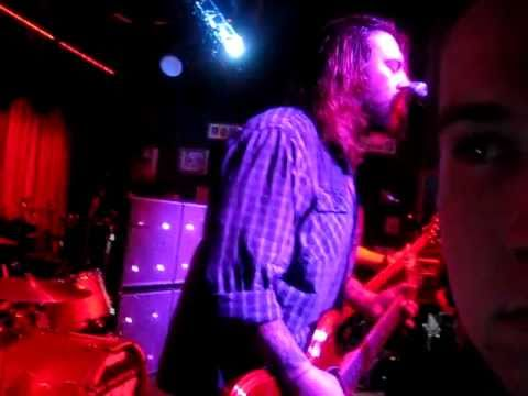 Seether heart shaped box live in the viper room calgary hd youtube for Room in your heart living in a box
