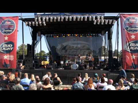 The Trishas - Texas Crawfish Music Festival Spring Texas - Video By Photos By Hunter