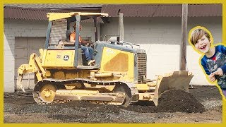 Construction Truck Videos | Found a Dozer!