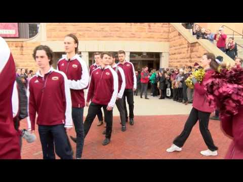 DU hockey team leaves Denver for the Frozen Four in Chicago