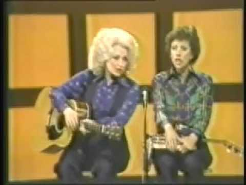 Dolly Parton & Carol Burnett - No One Picks Like A Nashville Picker Picks Live