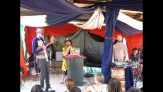 Permaculture Ukulele - live af Folk, Rhythm & Life Festival 2012 (VIC)