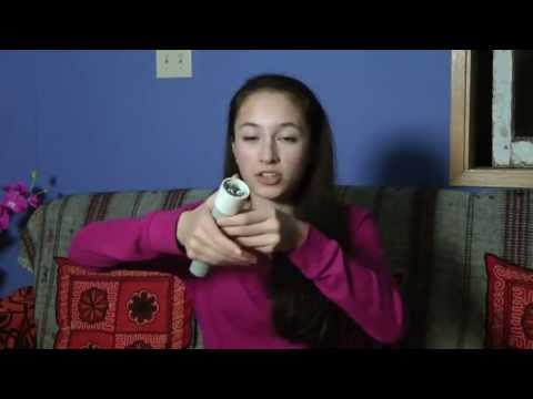 Teen builds flashlight powered by body warmth