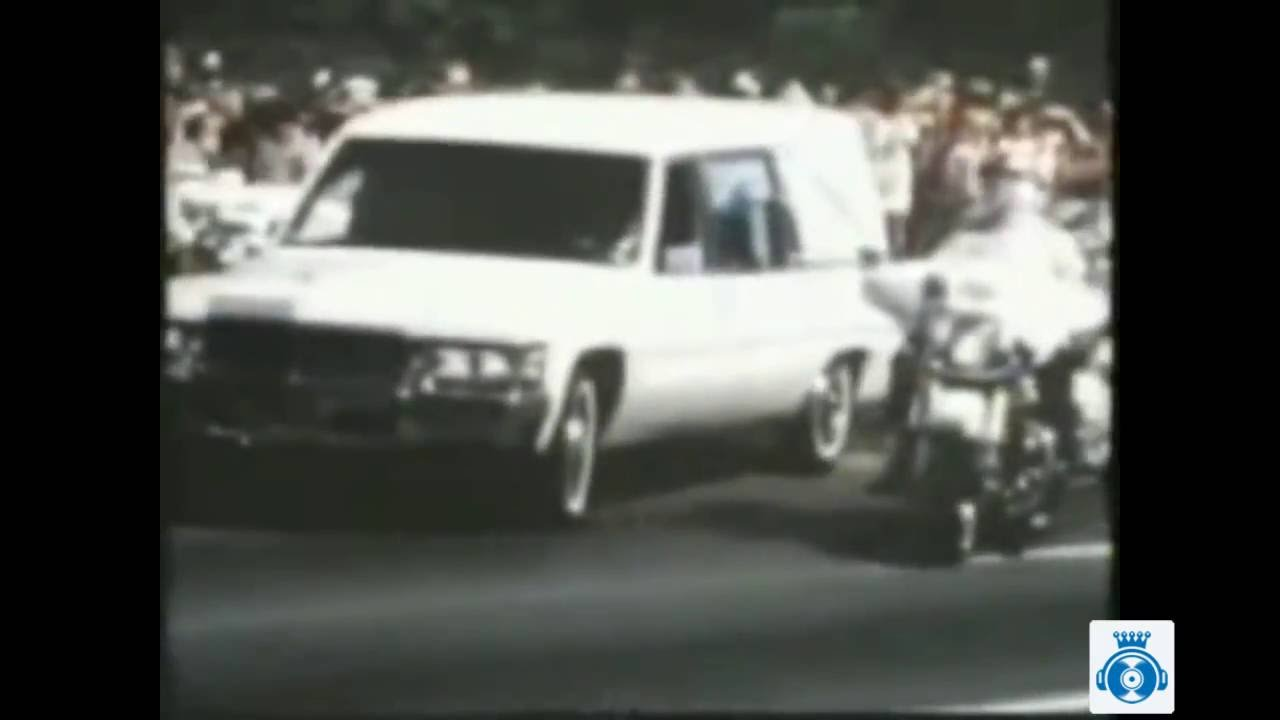 elvis presley funeral procession august 18  1977