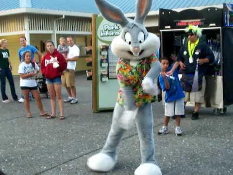 Bugs Bunny Hip Hop Dancer