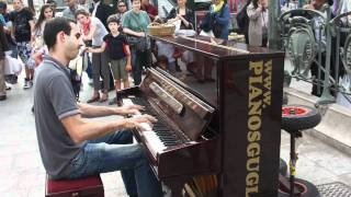 Paris street piano player
