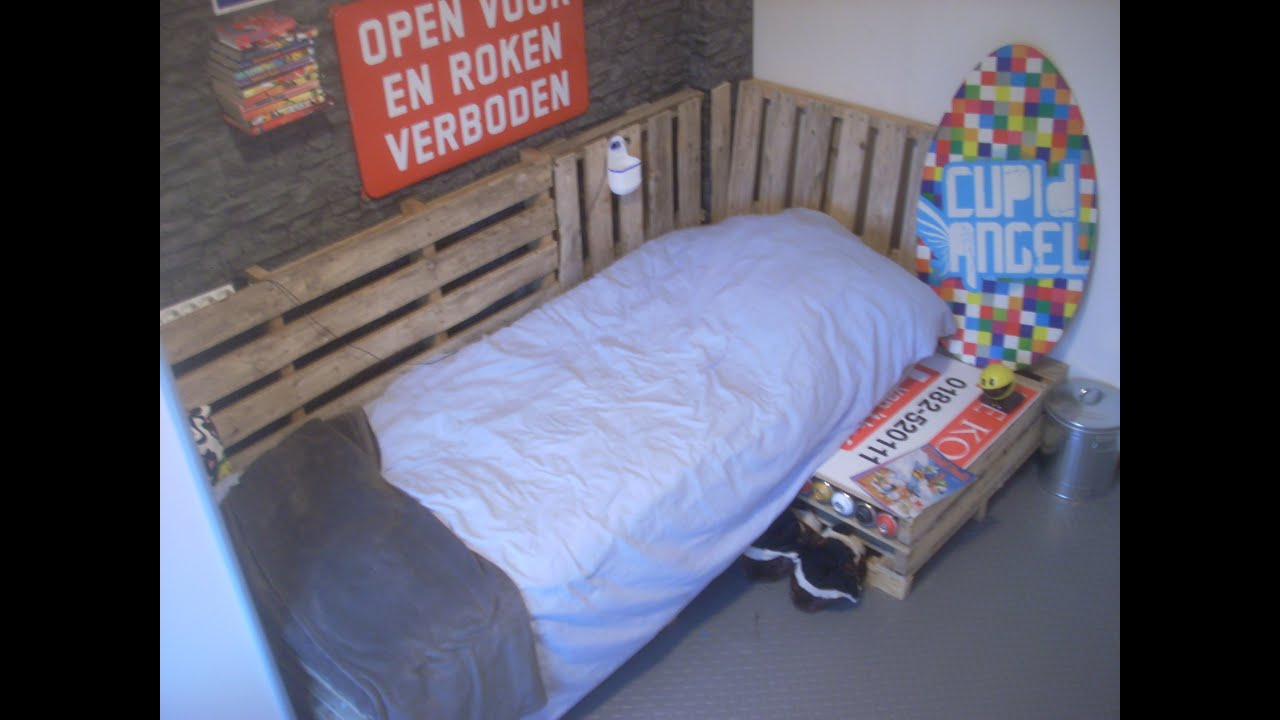 Diy How To Make A Pallet Sofa Bed