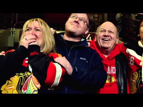 Soldier surprises family at Blackhawks game Video