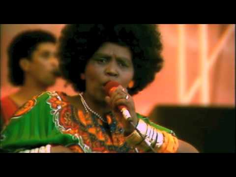 Margaret Singana - Hamba Bekhile (We Are Growing) Live at Concert In The Park)