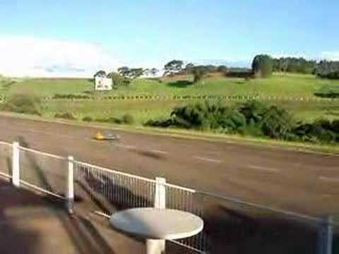P51 - Mustang PTS R/C decolando - pista da Fam Aeromodelismo