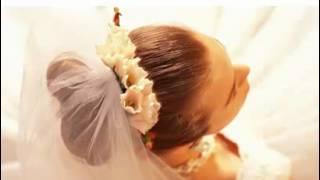 Как украсить свадебную фату, смотреть всем невестам!.mp4(www.juletta.com.ua. Вы мучаетесь вопросом как украсить и обрамить свадебную фату? Тогда мы идем к вам! :) Как украсить..., 2012-03-29T21:17:03.000Z)
