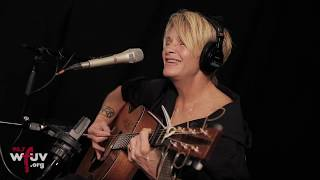 """Shawn Colvin - """"Sunny Came Home"""" (Live at WFUV)"""