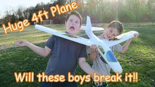 We Check out the Sky Riders Foam Airplane / Glider