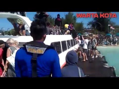 evakuasi-wisatawan-di-gili-trawangan,-ribuan-turis-berebut-naik-kapal