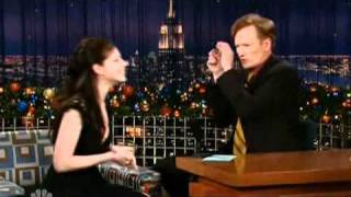 Michelle Trachtenberg about her Guest Appearance on House @ Conan O'Brien 22/12/2006