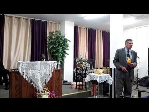 MYR. La Famila, Pastor Max Garcia