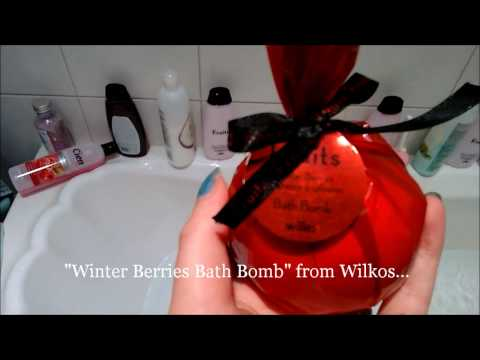 Bath Bomb Review- Wilko's Winter Berry
