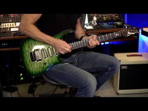Megadeth - Kiko Loureiro Practicing