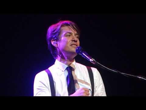 Hanson - O Holy Night  Silent Night  O Come all Ye Faithful Medley - Toronto