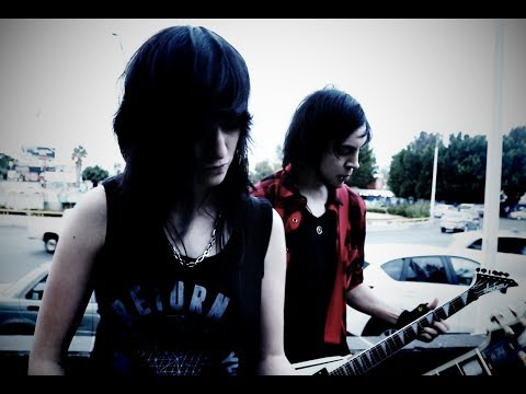 Alex Feel & Alex Excel - Lejos (Official Video)