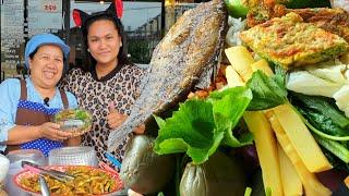 ข้าวคลุกน้ำพริกสูตรโบราณ ป้าสุ!!! 🍲 ชุดละ50บาท ผักฟรีไม่อั้น 👩🦱 ป้าสุใจดีสอนสูตรน้ำพริก ฟรี!!!