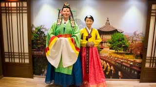 My Travel Diary: Busan - Trying on Hanbok