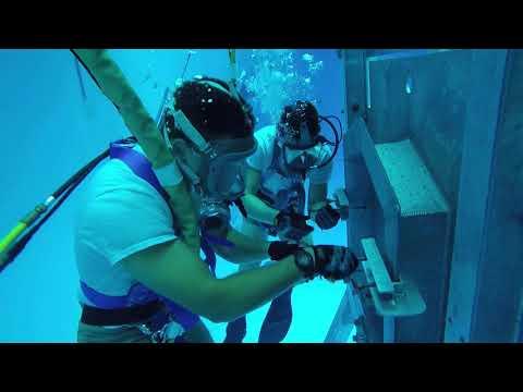 Navy Dive School Class 17-40-2C/DMT/CG