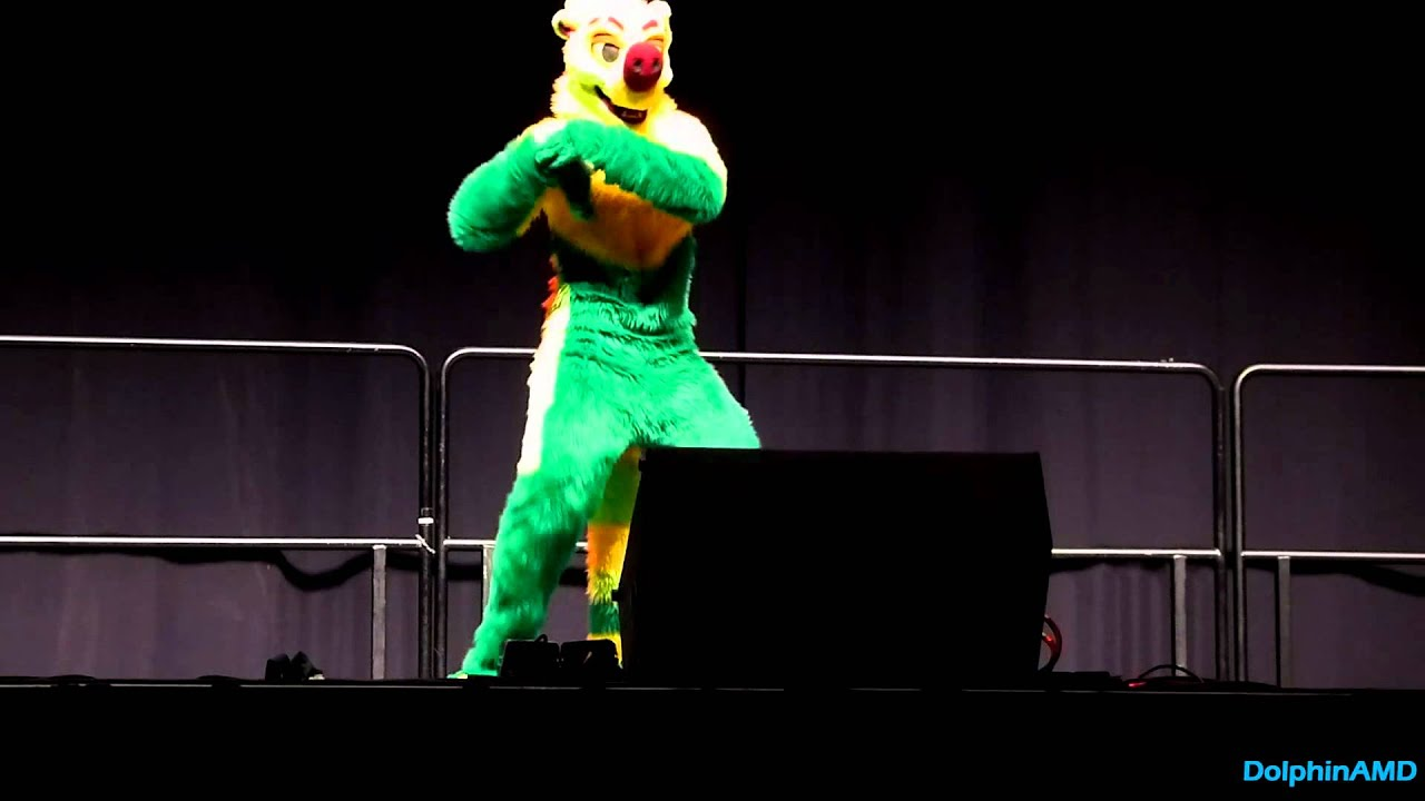 Anthrocon 2012 - Fursuit Dance Competition - Step - YouTube