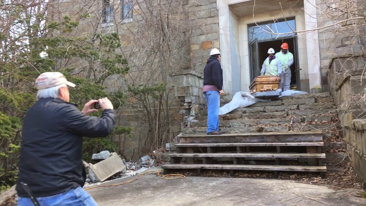 bodies being removed from roger williams mausoleum youtube