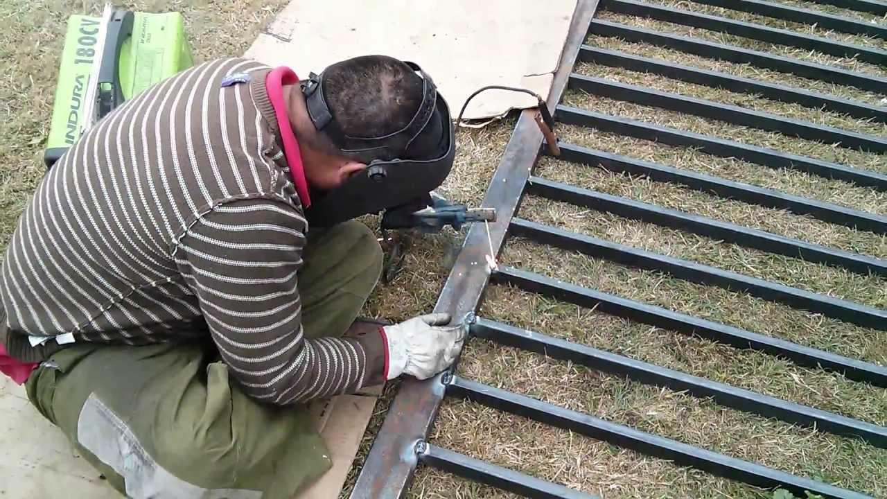 Fabricacion de porton metalico youtube for Como hacer un porton de madera economico