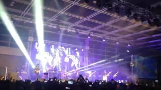 05-06-2016 Antri ke surga konser wali di hongkong.