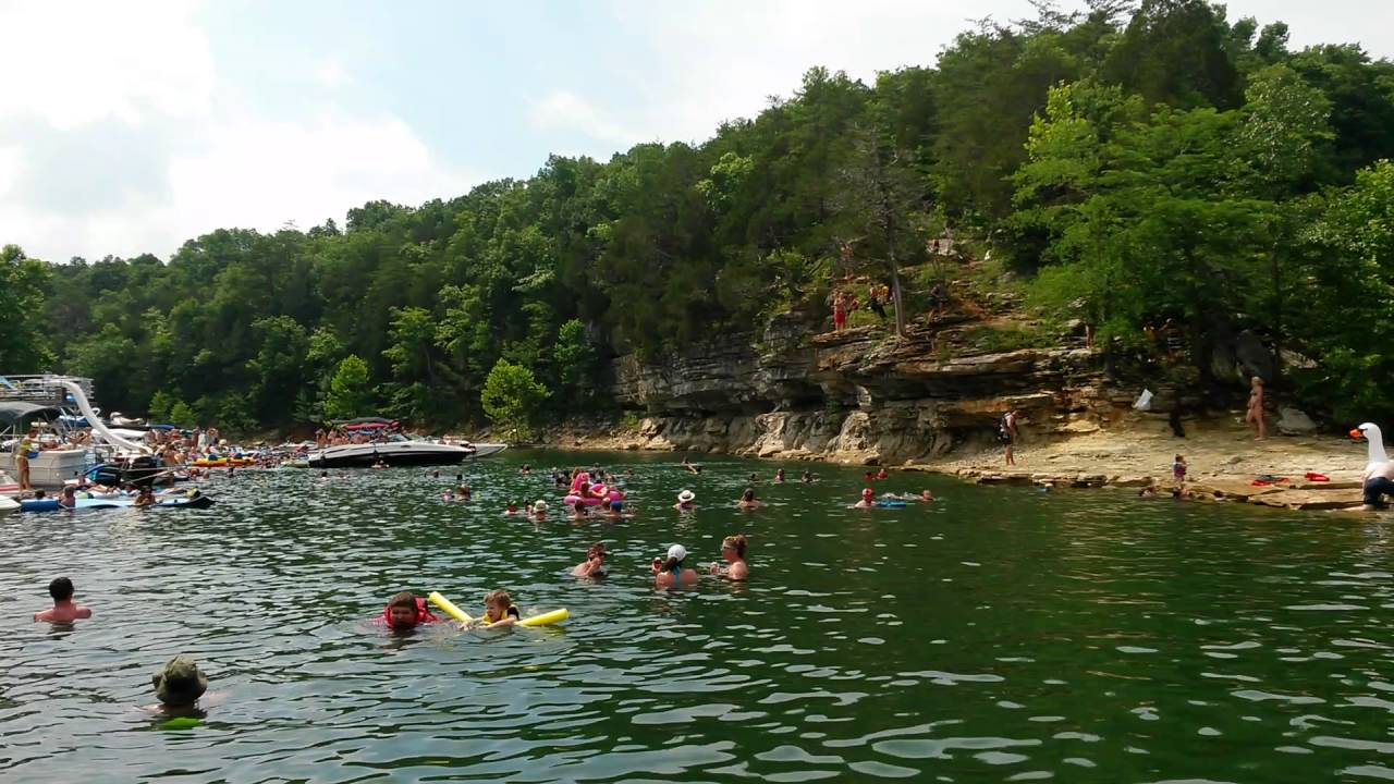 Party Cove South Of Burnside Cliff Jumpers