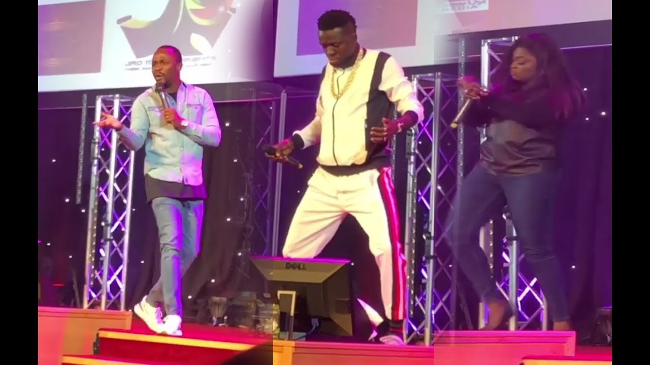 Download Ushbebe YADADI 11 : Funke Akindele Shaku shaku's on stage as Akpororo wines his waist.