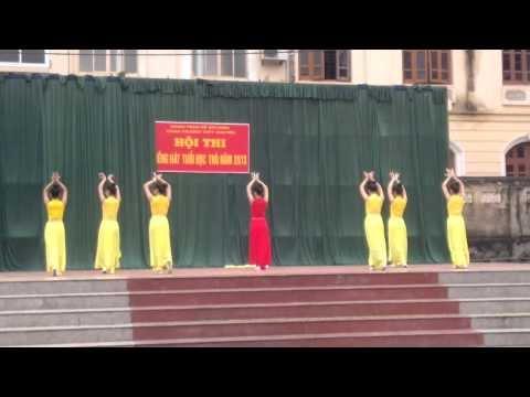 Múa Tiên nữ hoa sen - k26văn THPT Chuyên Tuyên Quang