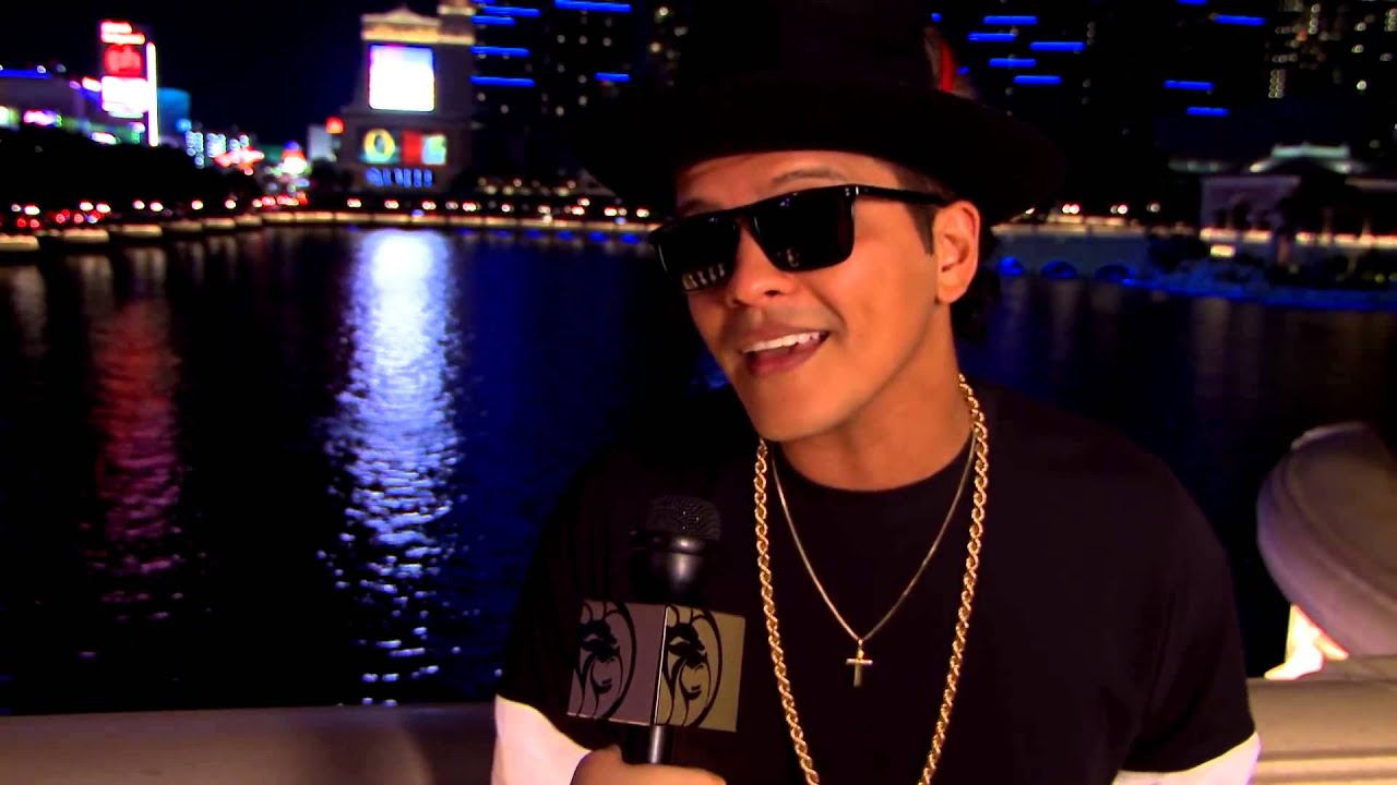 bruno mars bellagio fountains youtube. Black Bedroom Furniture Sets. Home Design Ideas
