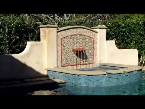 Swimming pool water features youtube for Swimming pool 4 eckig