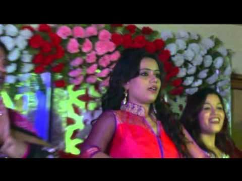 Priya wedding sangeet banno teri ankhiyan, chitiyaan kalaiyaan, mhaare hiwda me naache mor