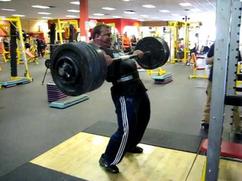 Derek Poundstone training for Mohegan 09'   405lb axle