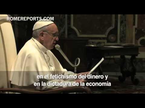 Papa pide a políticos una reforma financiera que ponga en el centro la ética y las personas